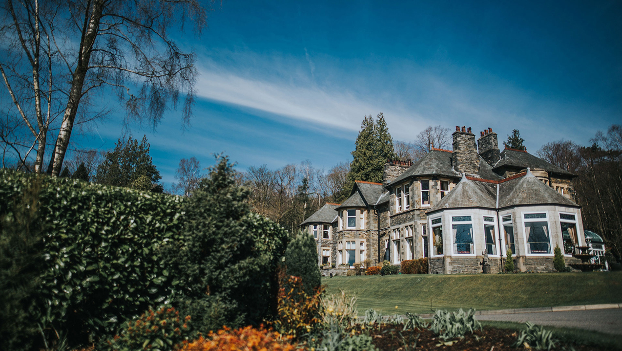 Why Do Most Travellers Prefer Luxury Accommodations In Windermere?